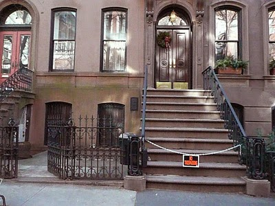 carrie bradshaw s apt up for sale hearraeroar. Black Bedroom Furniture Sets. Home Design Ideas